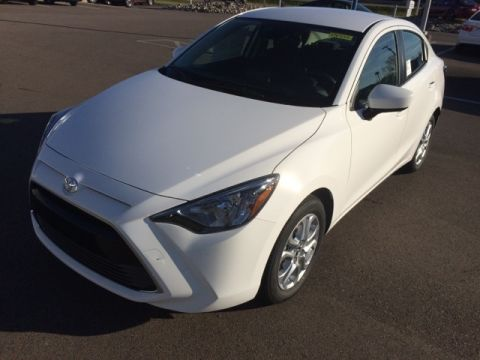 New 2018 Toyota Yaris iA Base FWD 4D Sedan