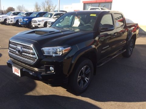 New 2017 Toyota Tacoma TRD Sport 4D Double Cab 4WD