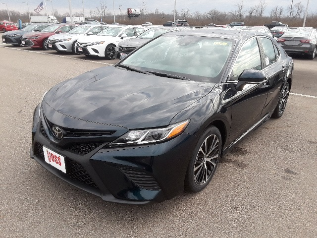New 2019 Toyota Camry Blue Se 4d Sedan For 25 922 In Beavercreek